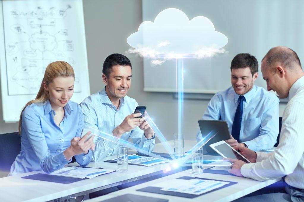 Grafik Meeting Geräte Cloud