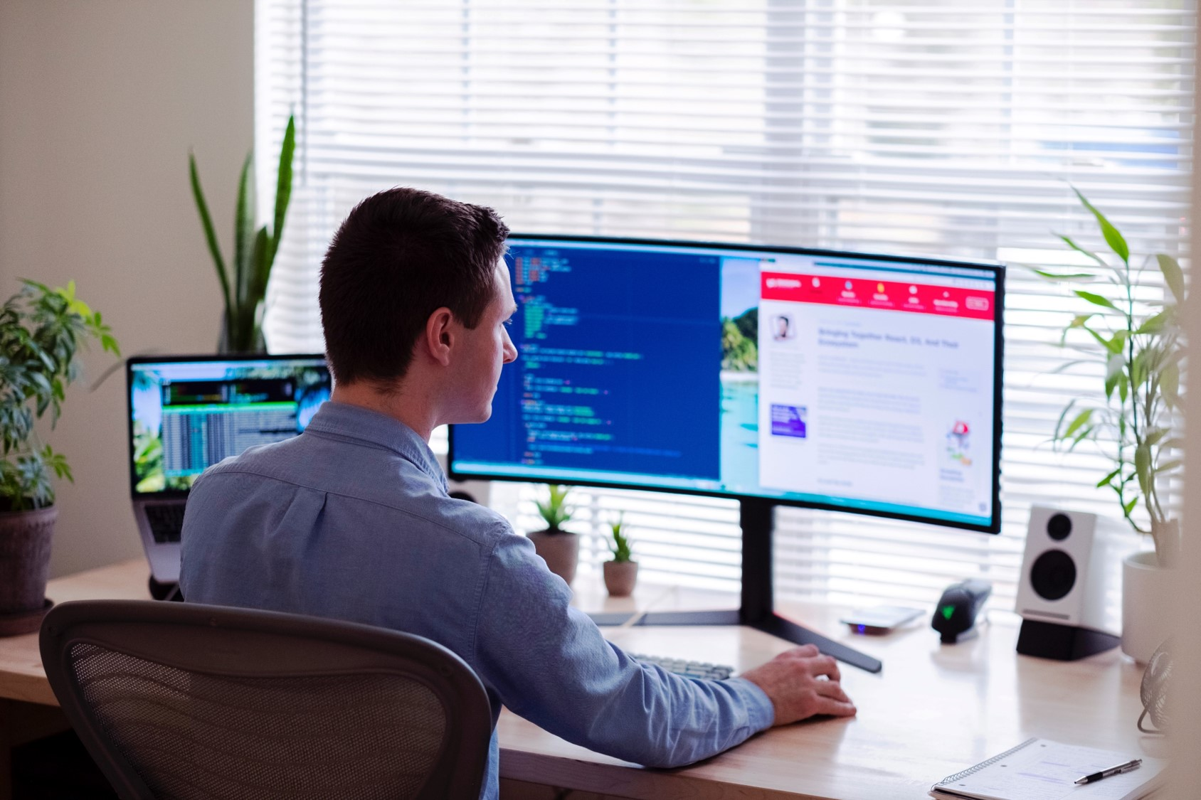 Home Office: Man at desk